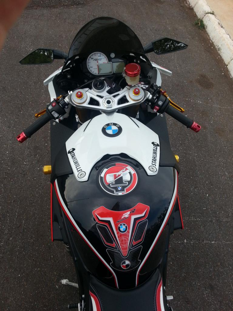 BMW S1000RR tricolor Bike of the Month 22014 - 3