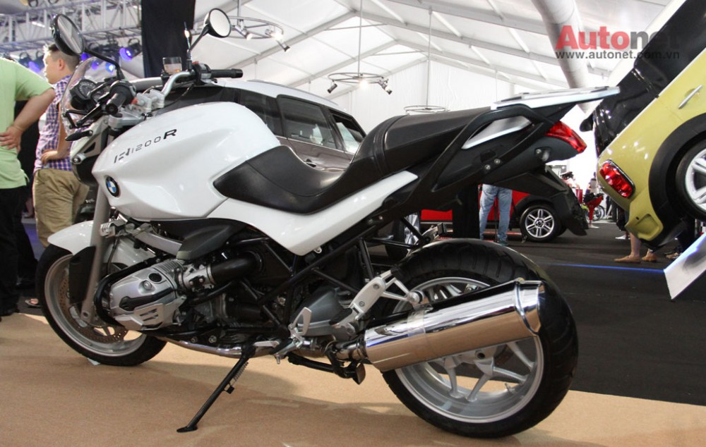 Can canh R1200R duoc trung bay tai BMW World Xpo 14 - 3