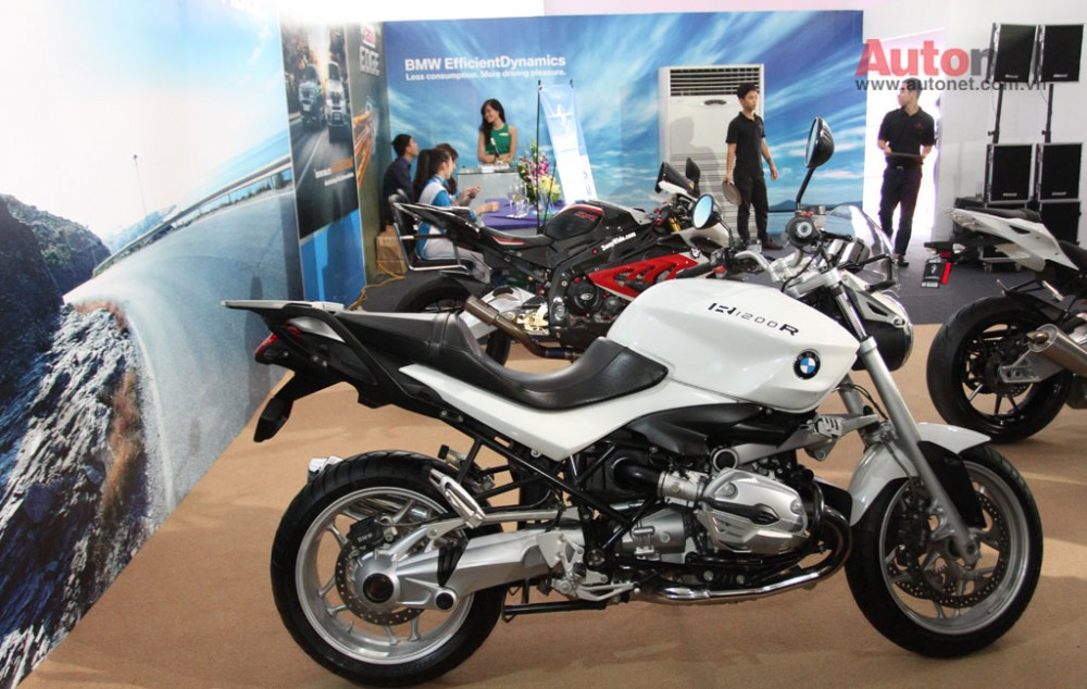 Can canh R1200R duoc trung bay tai BMW World Xpo 14 - 7