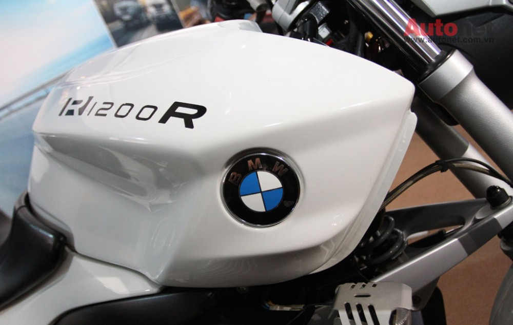 Can canh R1200R duoc trung bay tai BMW World Xpo 14 - 12