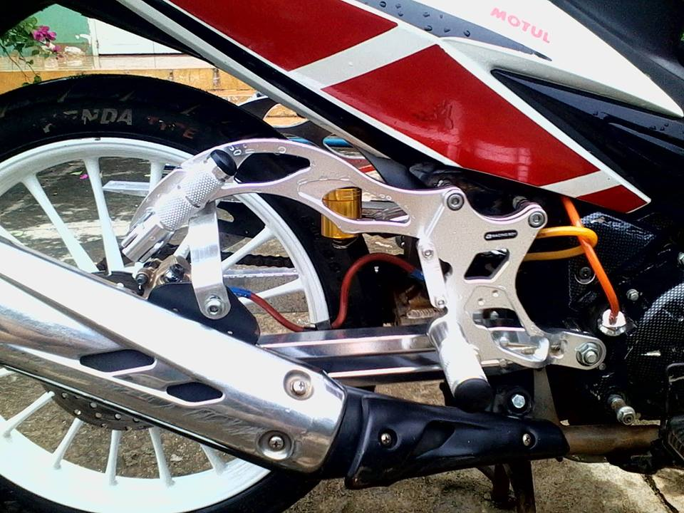 Exciter do phong cach racing co dien - 4
