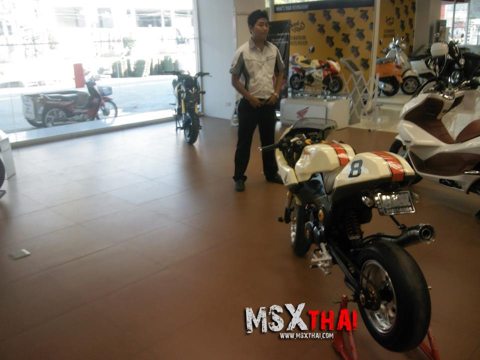 Honda MSX do Cafe Racer voi po con sau - 7