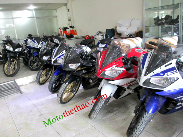 motothethao Yamaha R15 khui thung moi ve showroom - 2