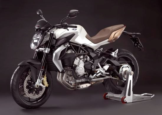 MV Agusta Brutale 675 chiec Naked Bike tam trung tot nhat