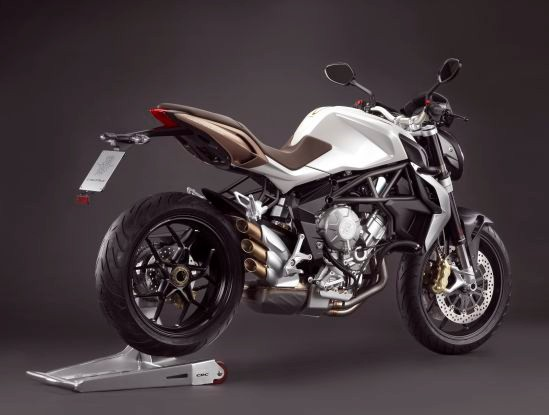 MV Agusta Brutale 675 chiec Naked Bike tam trung tot nhat - 2