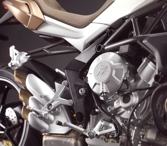 MV Agusta Brutale 675 chiec Naked Bike tam trung tot nhat - 4