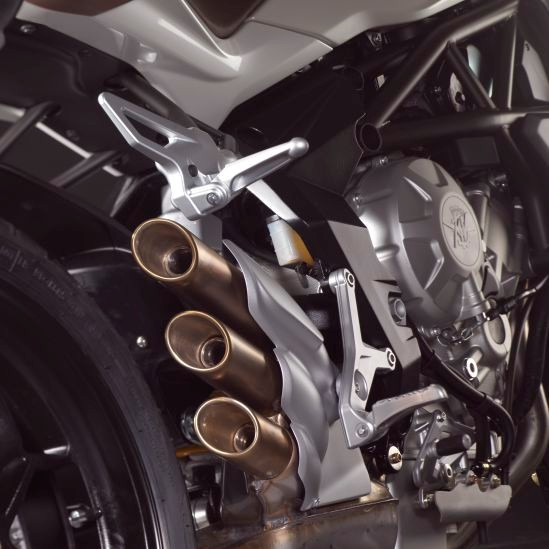 MV Agusta Brutale 675 chiec Naked Bike tam trung tot nhat - 5