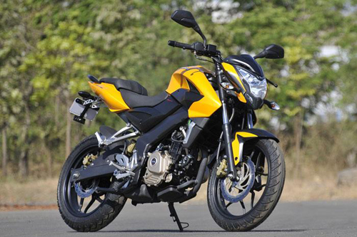 Pulsar 200NS do phong cach streetfighter co nho