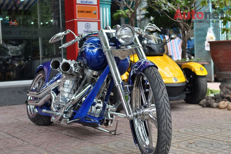 Sieu moto Big Dog Custom One voi dong co 2000cc tai Viet Nam - 3