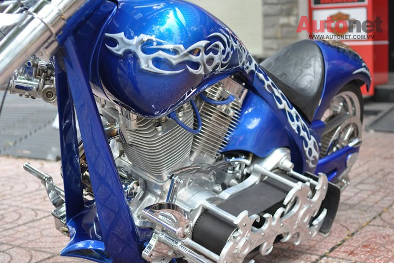 Sieu moto Big Dog Custom One voi dong co 2000cc tai Viet Nam - 5