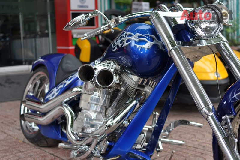 Sieu moto Big Dog Custom One voi dong co 2000cc tai Viet Nam - 11