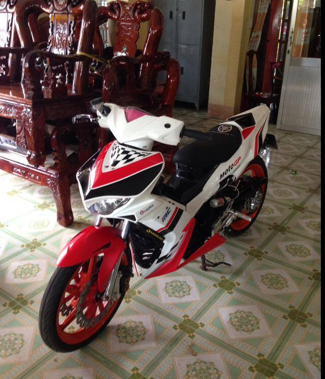 Yamaha Exciter do theo phong cach xe moto dua the thao - 2