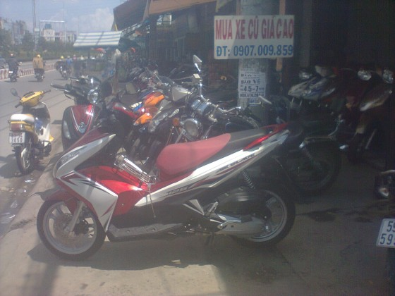 ban air blade 125 2014 trang do denodo 2400km gia 37tr fix - 2