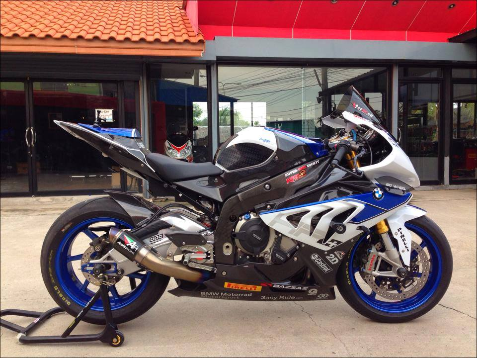 BMW HP4 ben Thai that tuyet voi
