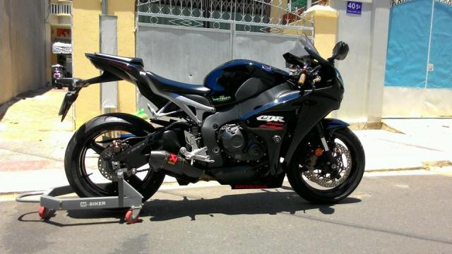 Can Ban CBR 1000RR date 2010 HQCN