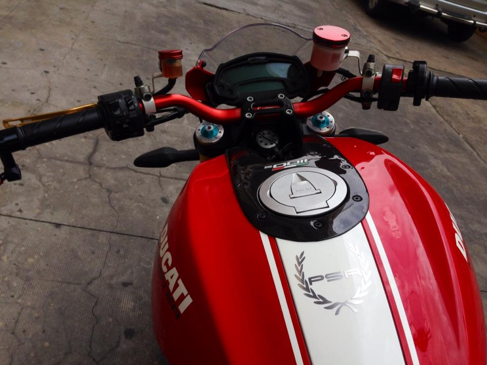 Ducati Monster 1100S ABS 2010 an tuong tren pho Viet - 4