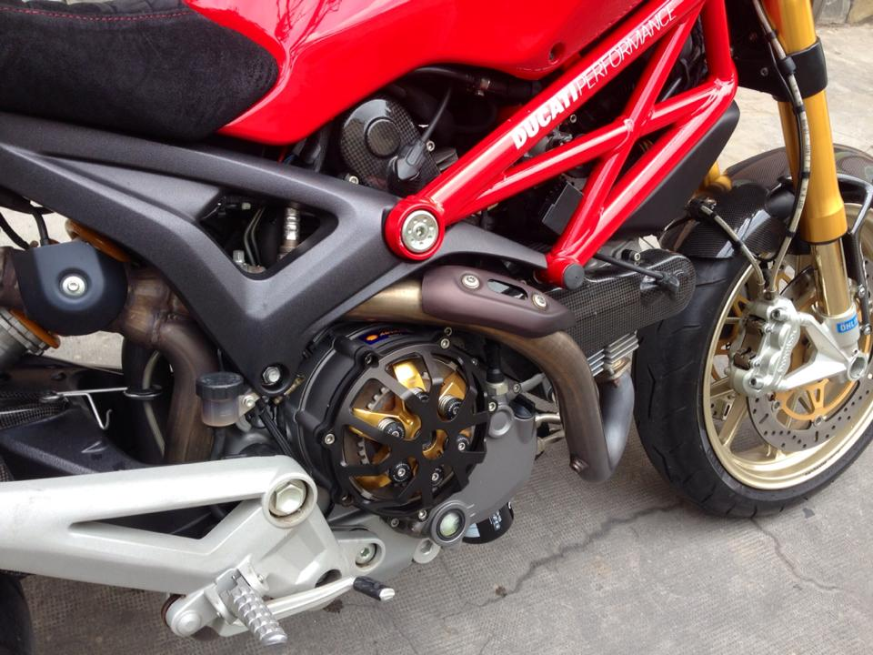 Ducati Monster 1100S ABS 2010 an tuong tren pho Viet - 7
