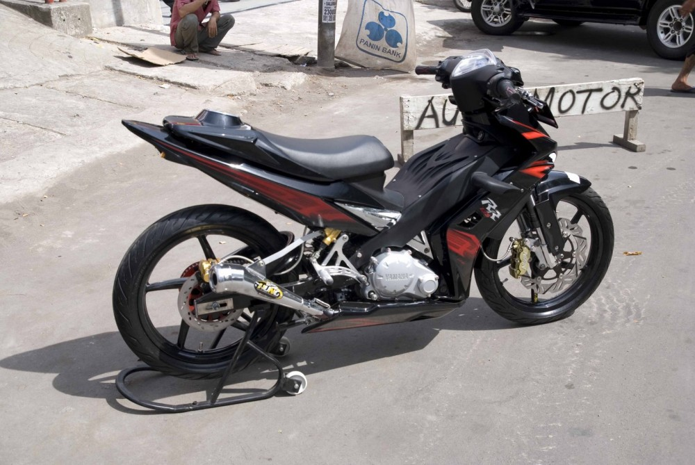 Exciter phong cach Sportbike ben Malai - 3