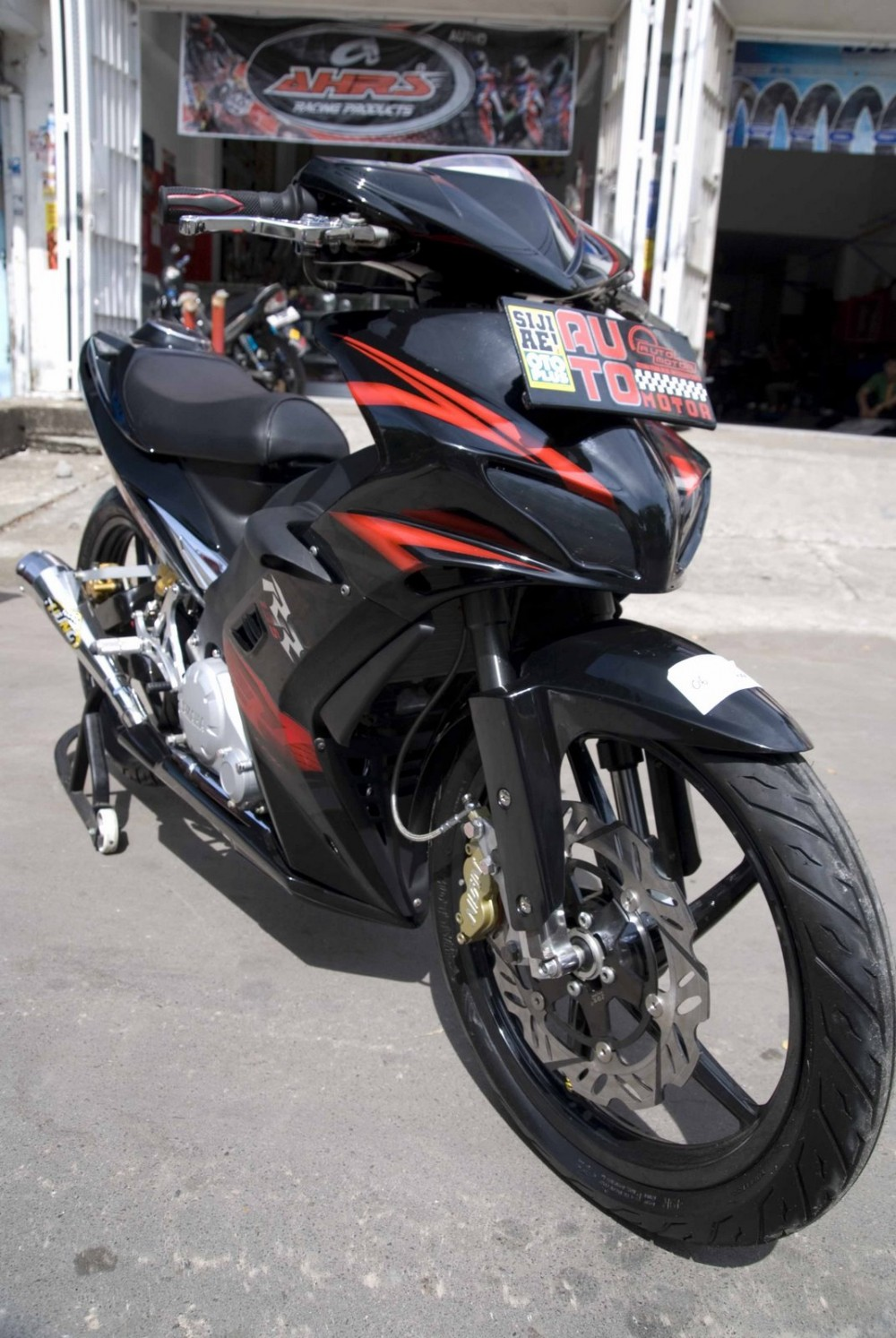 Exciter phong cach Sportbike ben Malai - 5