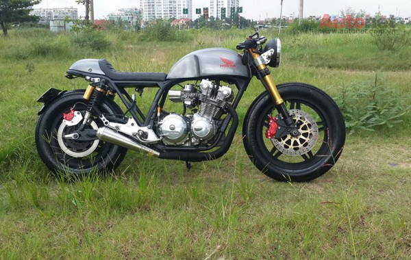 Honda CB 750 Custom doi 1981 do chat lu voi phong cach Cafe racer