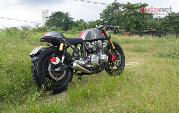 Honda CB 750 Custom doi 1981 do chat lu voi phong cach Cafe racer - 2