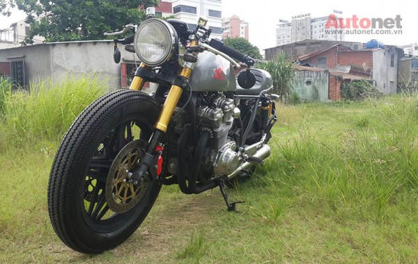 Honda CB 750 Custom doi 1981 do chat lu voi phong cach Cafe racer - 3