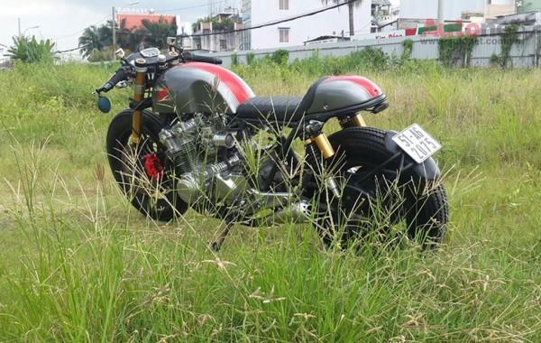 Honda CB 750 Custom doi 1981 do chat lu voi phong cach Cafe racer - 6