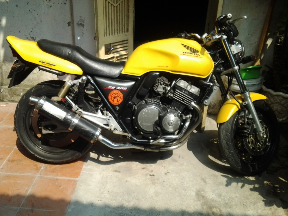 Can ban xe Honda CB400 Super Four