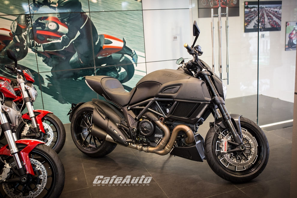 Can canh tung chi tiet Ducati Diavel 2015 tai Viet Nam - 4