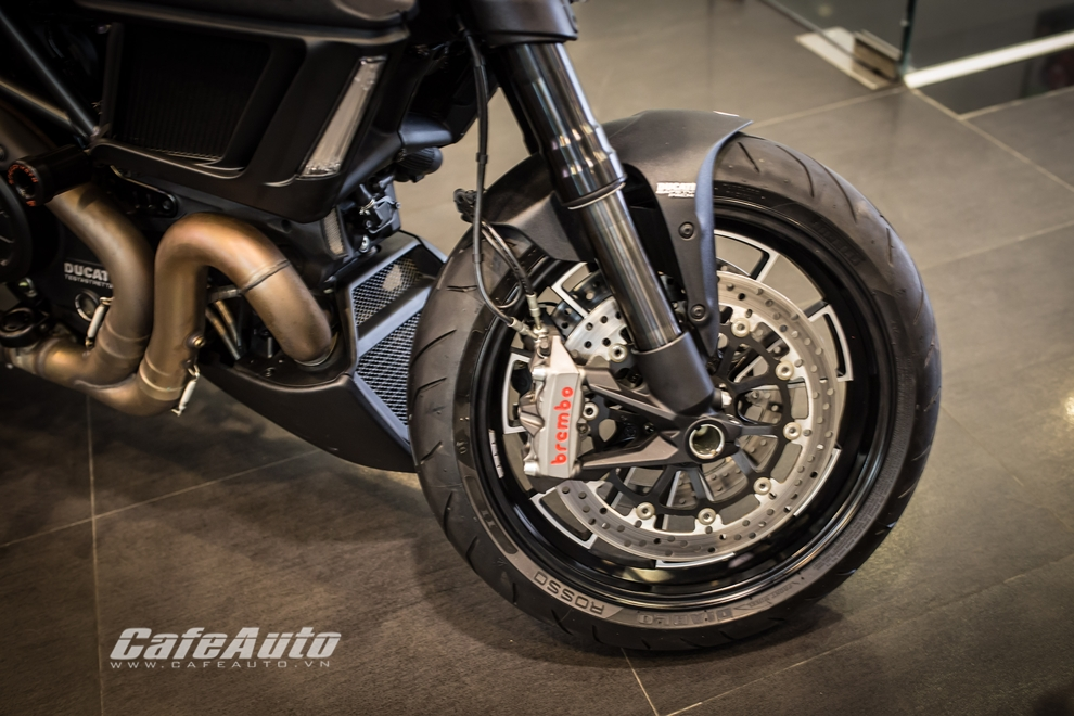 Can canh tung chi tiet Ducati Diavel 2015 tai Viet Nam - 7