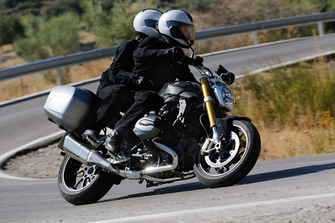 Chi tiet ve BMW R1200R 2015 sap ra mat - 14