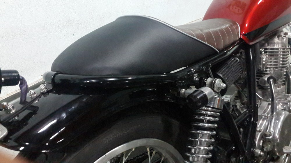 Qua chat cho mot em Yamaha SR400 do Full Cafe Racer - 4
