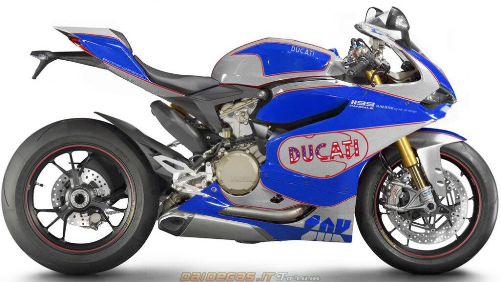 Hot voi body handmade cua Ducati 1199