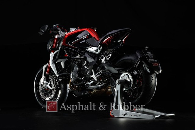 Lo anh MV Agusta Dragster RR hoan toan moi truoc ngay ra mat - 2
