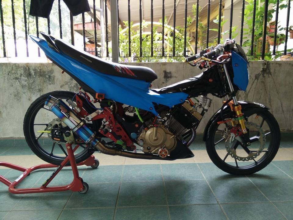 Suzuki Raider cuc chat khi choi full do Racingboy
