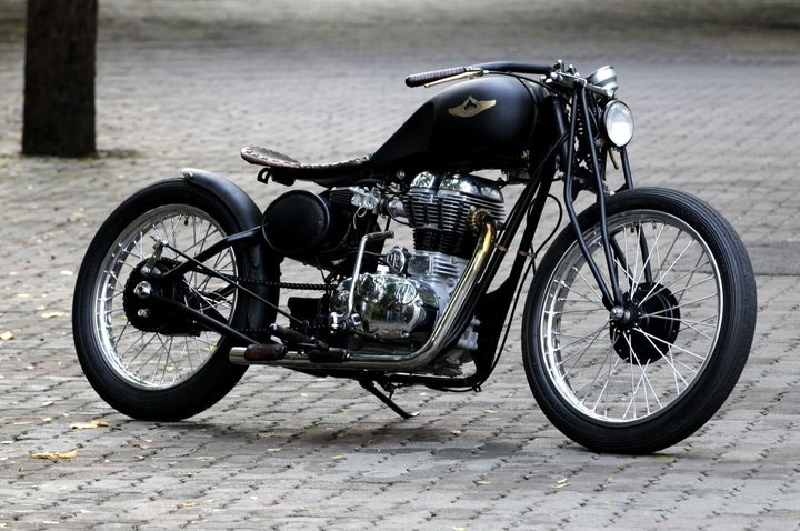 Them 1 chiec Royal Enfield Light Foot cuc hot gia re