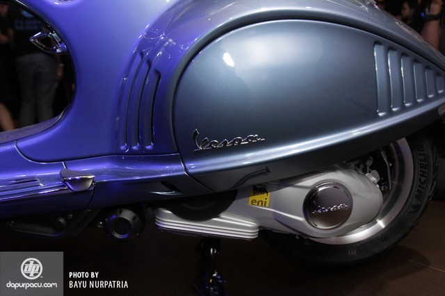 Vespa 946 Bellissima vua ra mat Indonesia voi gia re hon 70 trieu dong so voi VN - 19