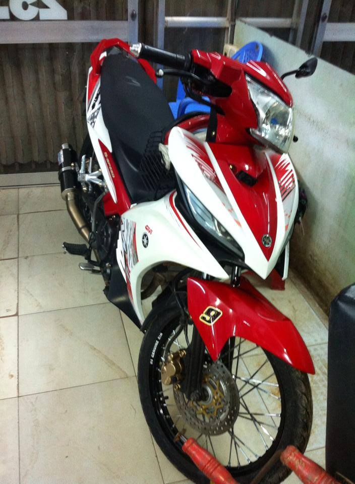 Lai mot xe Cop tai decal4bike ra doi