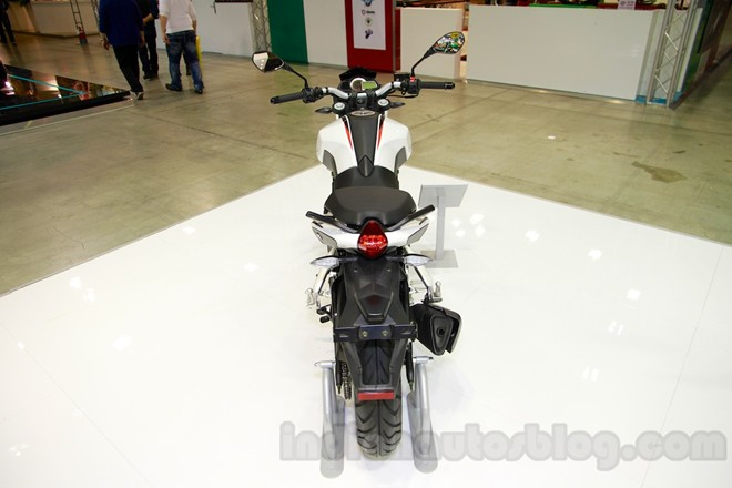 Can canh chiec nakedbike gia re Benelli BN251 - 5