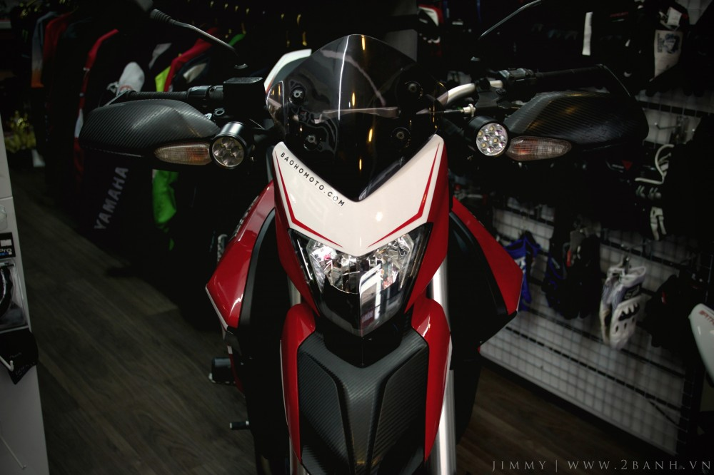 Ducati Hyperstrada lung linh khoe sac - 3