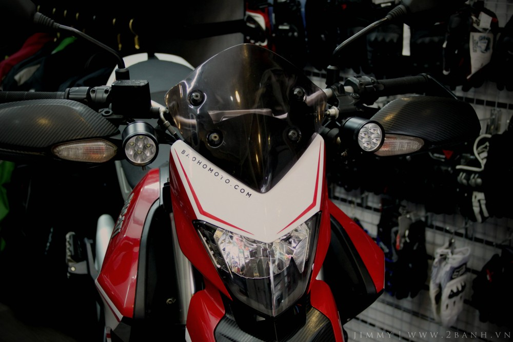 Ducati Hyperstrada lung linh khoe sac - 4