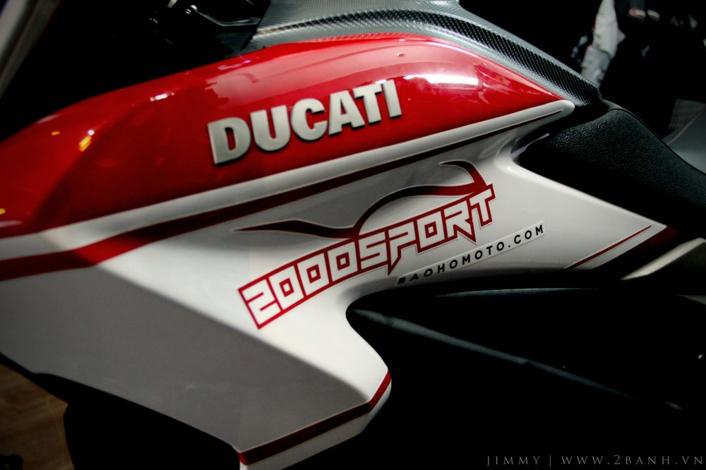 Ducati Hyperstrada lung linh khoe sac - 6