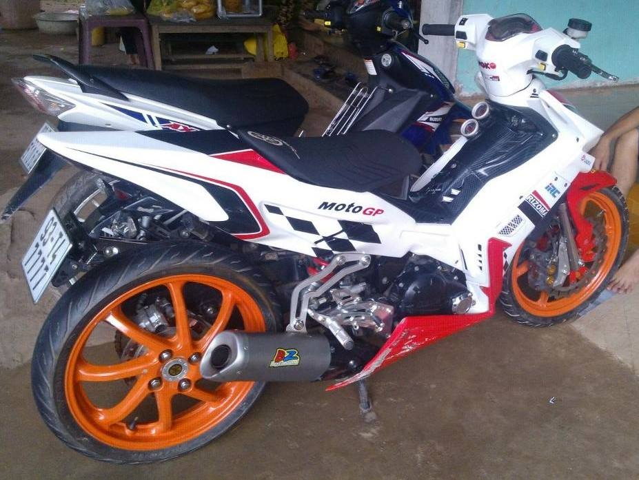 Exciter do 1 gap phong cach moto GP