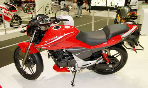 Hero Etreme Sport doi thu Yamaha Fz tai An Do - 2