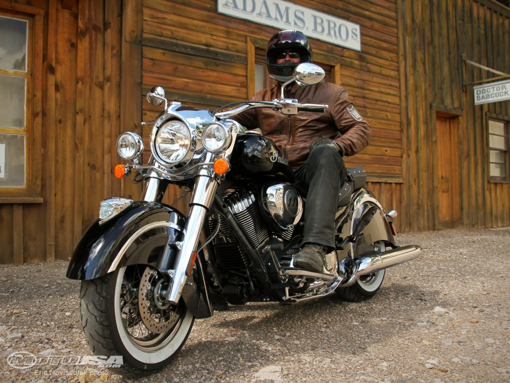 Indian Chief Classic chiec cruiser gia tot nhat nam 2014 - 7