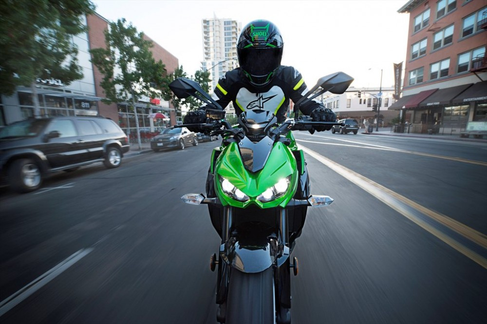 Kawasaki Z1000 2015 sap ve Ha Noi voi gia 23000 USD - 2