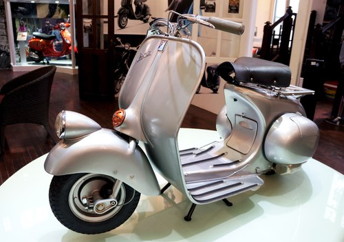 Vespa 98 scooter co tu bao tang Piaggio ve Viet Nam