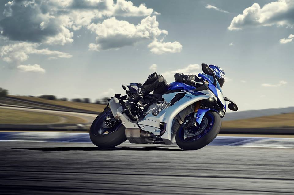 Yamaha he lo anh chi tiet YZF R1 2015