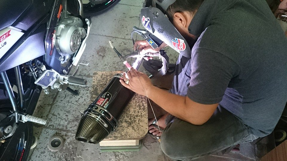 Can Canh Yamaha Fz150i do po Yoshimura to - 2