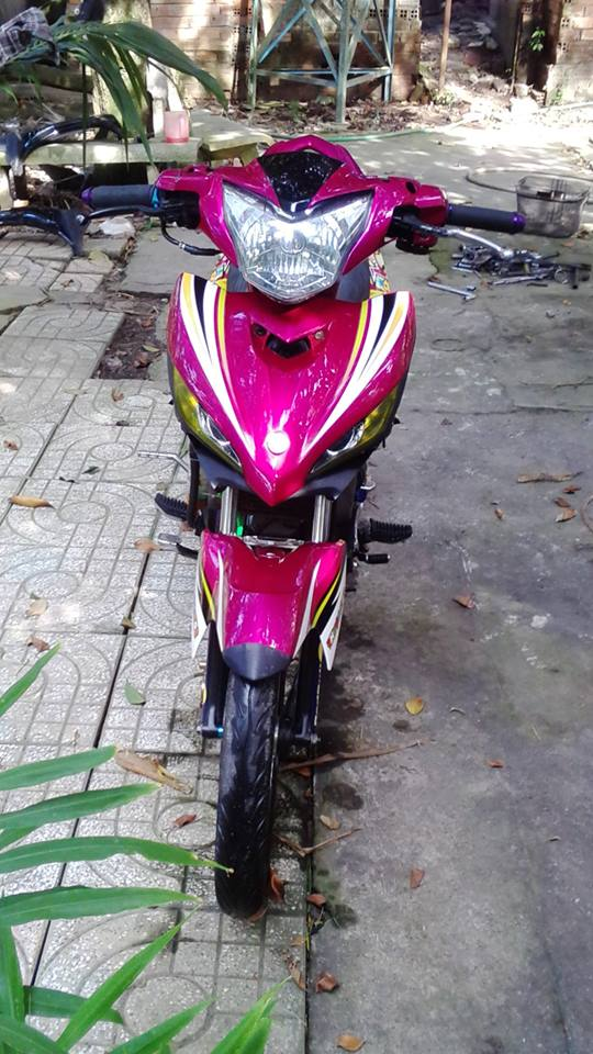 Exciter phong cach xe dau voi bieu tuong Rossi - 5